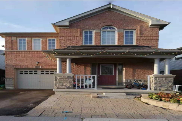202 Reeves Way Blvd, Whitchurch-Stouffville