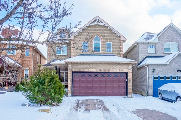 27 Colonial Cres, Richmond Hill