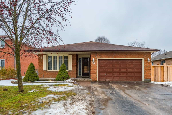 86 Munro Cres, Uxbridge