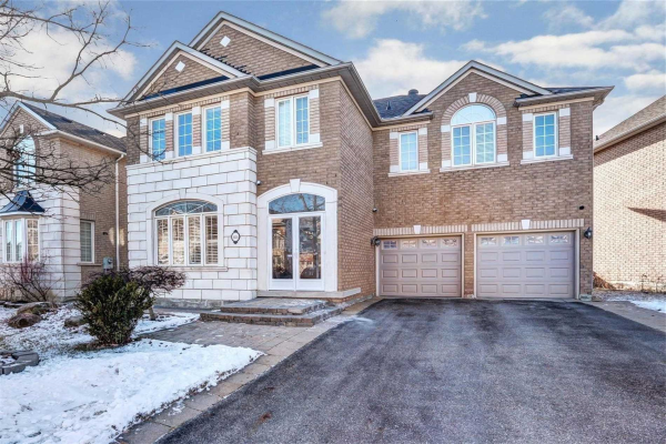 88 Gemini Cres, Richmond Hill