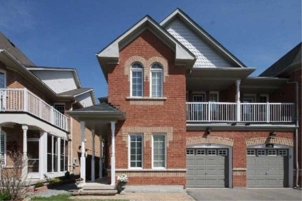 128 Lebovic Dr, Richmond Hill