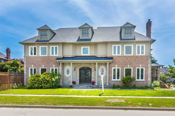 1 White Oak Cres, Richmond Hill