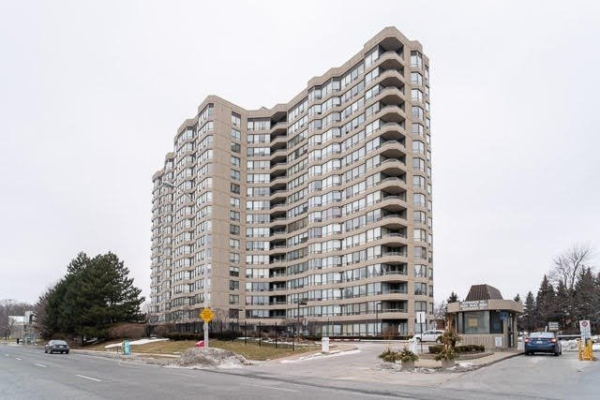 7420 Bathurst St, Vaughan