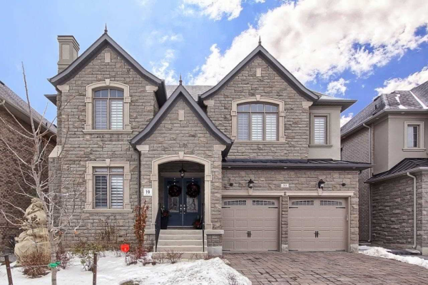 55 Glen Abbey Tr, Vaughan