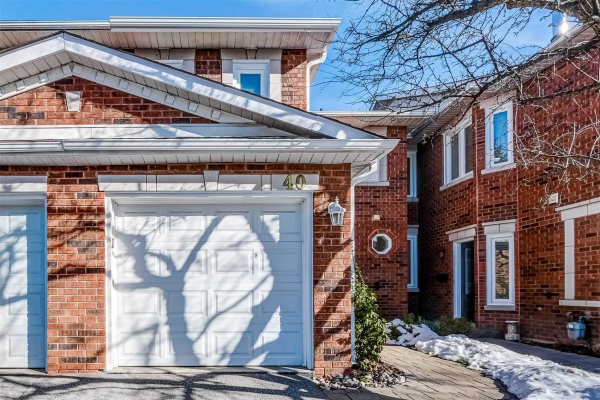 40 Brownstone Circ, Vaughan