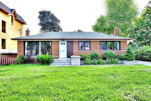 30 Sussex Ave, Richmond Hill