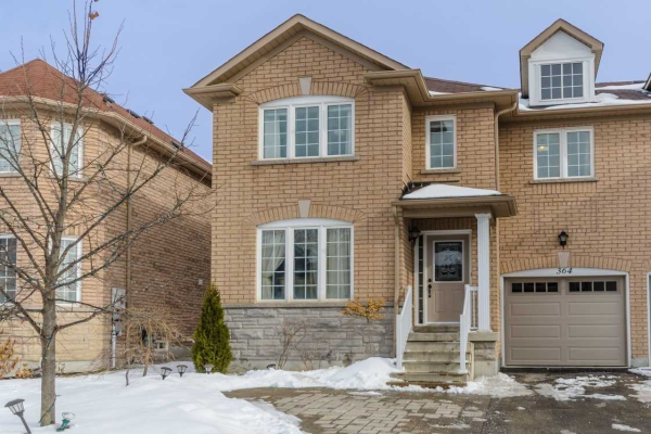 364 Gilpin Dr, Newmarket