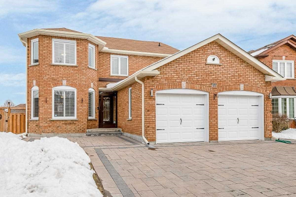 271 Savage Rd, Newmarket