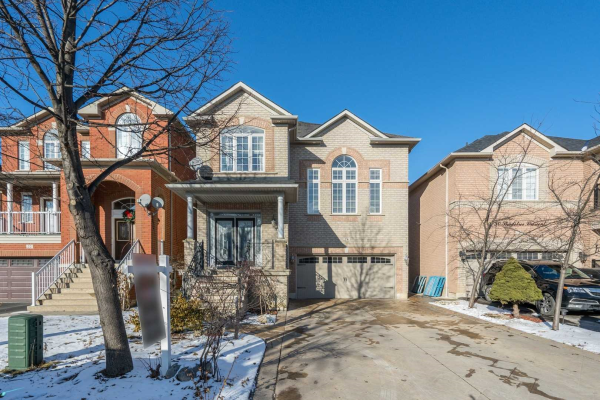 26 Shadetree Cres, Vaughan
