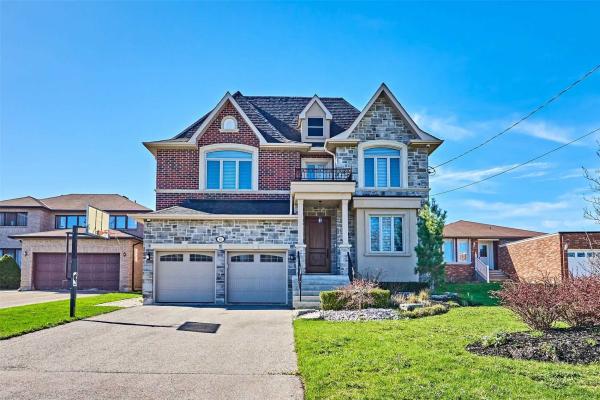 83 Bond Cres, Richmond Hill
