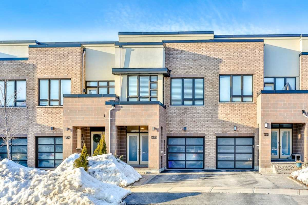 135 Dariole Dr, Richmond Hill