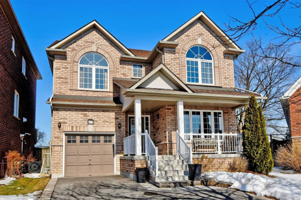 677 Society Cres, Newmarket