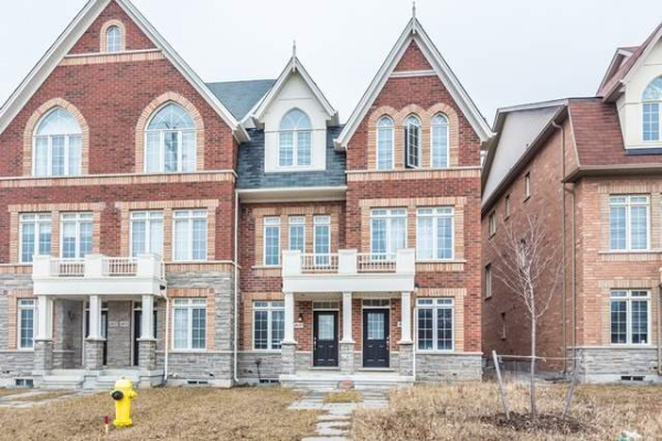 4626 16th Ave, Markham