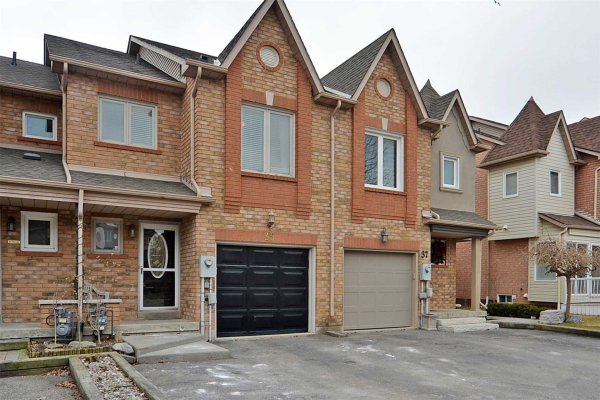 $719,000 • 35 Kelso Cres