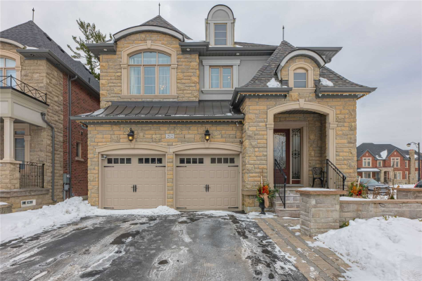 212 Headwind Blvd, Vaughan