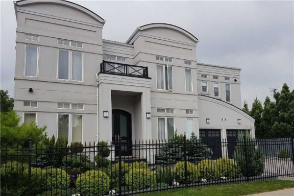 139 Cooks Mill Cres, Vaughan