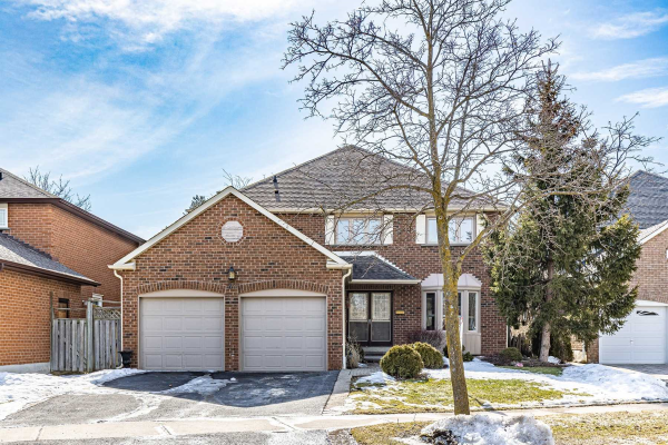 33 Beasley Dr, Richmond Hill