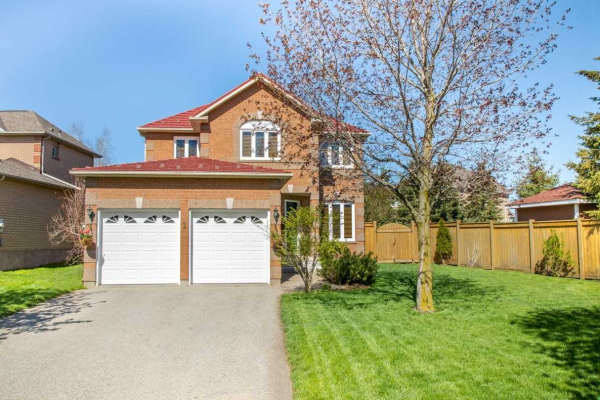 2 Daniele Ave S, New Tecumseth