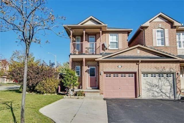 19 Carousel Cres, Richmond Hill