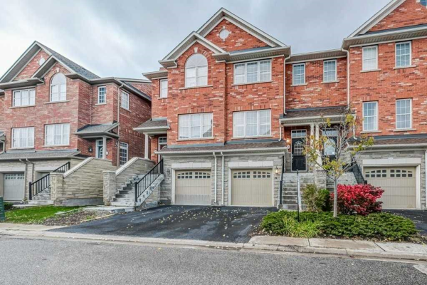 18 Golden Spruce Lane, Vaughan