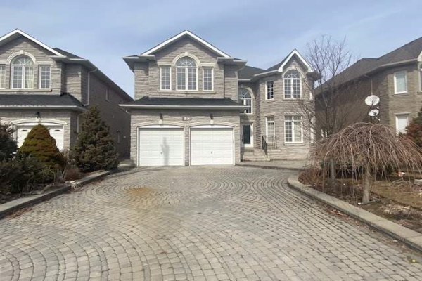 182 Brookside Rd, Richmond Hill