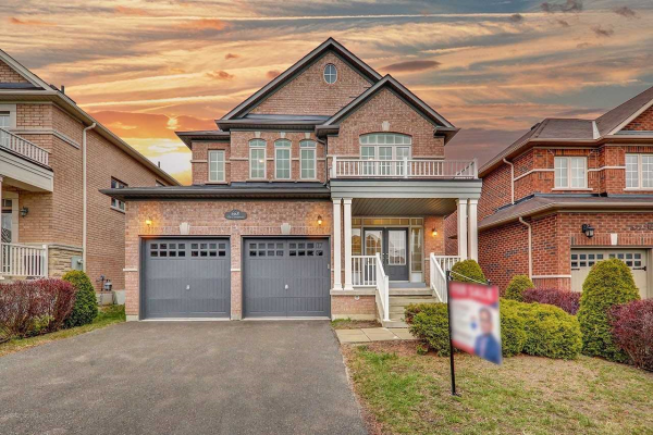 668 Via Campanile Ave, Vaughan