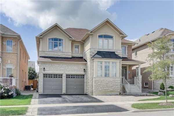 22 Greenforest Grve, Whitchurch-Stouffville