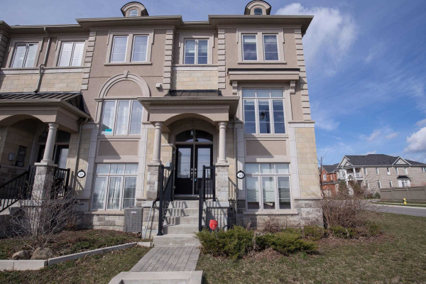 60 Grand Trunk Ave, Vaughan
