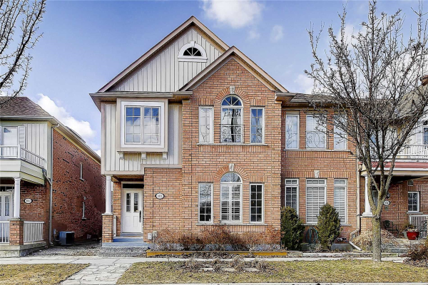 102 Irish Rose Dr, Markham