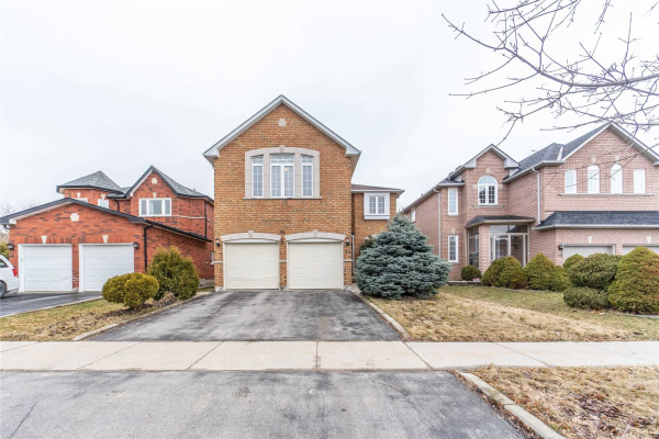 54 Farmstead Rd N, Richmond Hill
