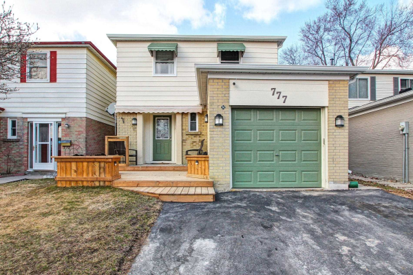 777 Pam Cres, Newmarket