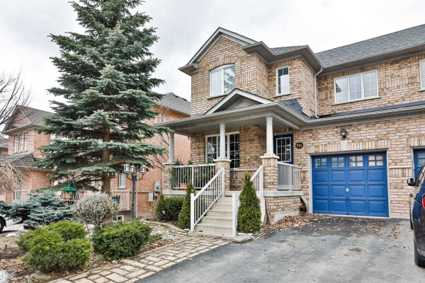338 Marble Pl, Newmarket
