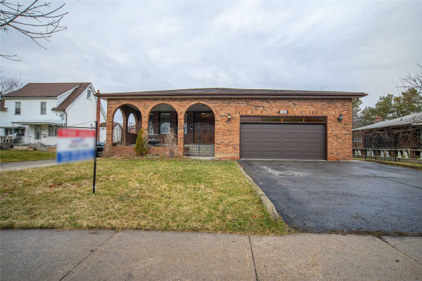 15 Wood Rd, Vaughan