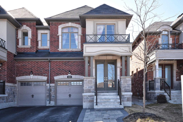 626 Sweetwater Cres, Newmarket
