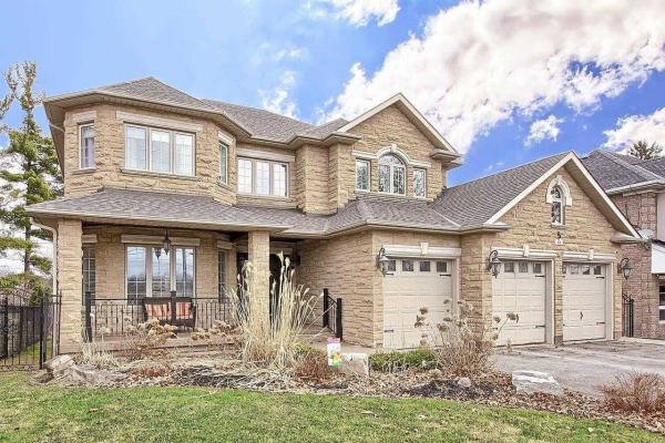 44 Bond Cres, Richmond Hill