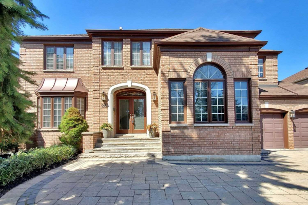 26 Hillholm Blvd, Richmond Hill