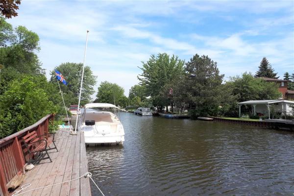 47 Canal St, Georgina