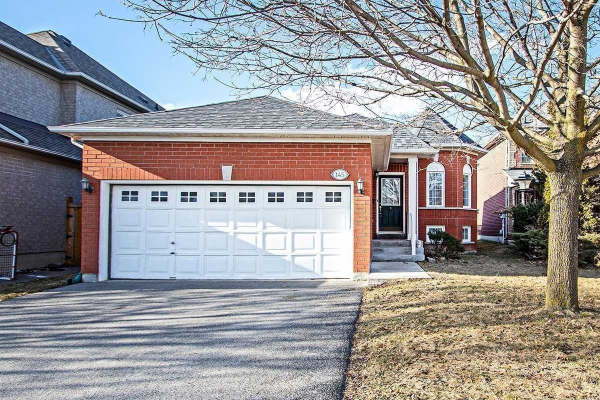 145 Clearmeadow Blvd, Newmarket