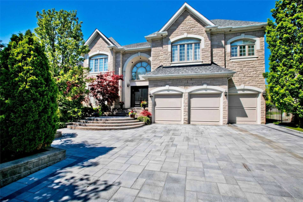 22 Frybrook Cres, Richmond Hill
