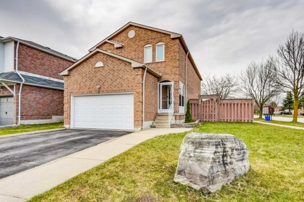 2 Cedarhurst Dr, Richmond Hill