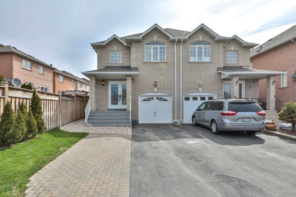 25 Damato Cres, Vaughan