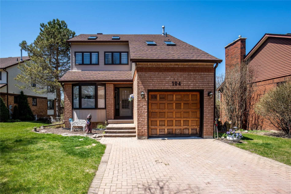 104 Riverview Rd, New Tecumseth