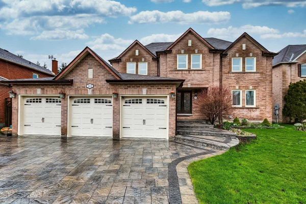 108 Fern Valley Cres, Richmond Hill