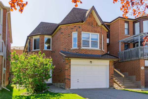 18 Roxborough Lane, Vaughan