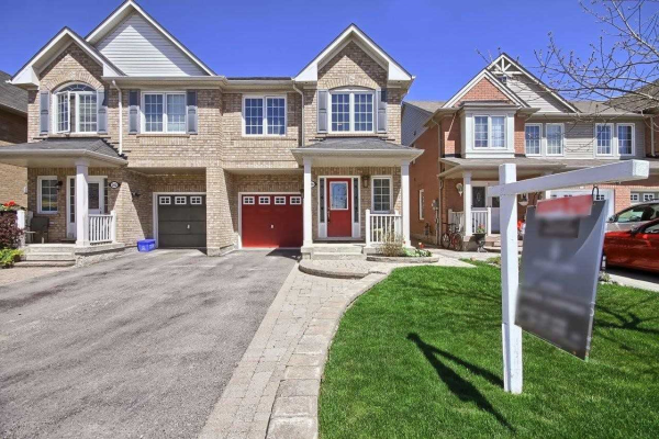 200 Dougherty Cres, Whitchurch-Stouffville