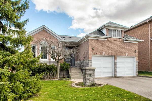 333 Brookside Rd, Richmond Hill