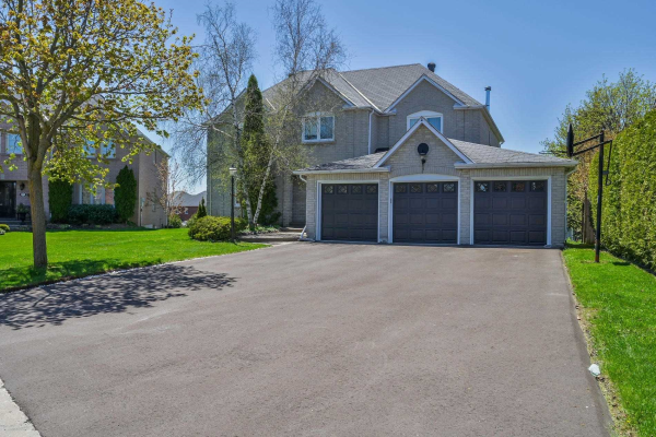 91 Fern Valley Cres, Richmond Hill