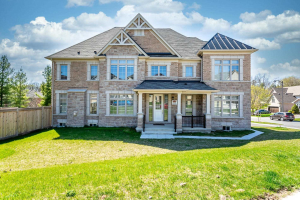 8 Forest Edge Cres, East Gwillimbury