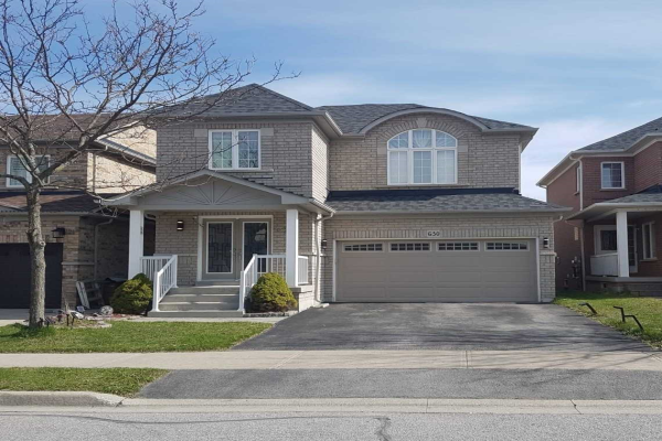 630 Society Cres, Newmarket