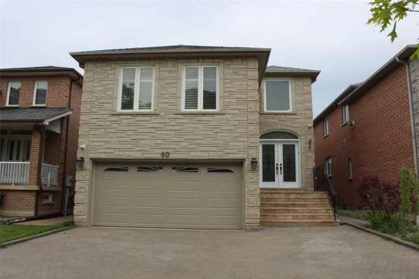 60 Townsgate Dr, Vaughan